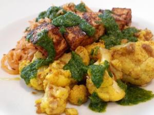 Chef Stew has shared his famous curried cauliflower, cumin rice and tandoori tofu recipe. It's simple to make and chock full of spices and flavors. From a blend of Tandoori spices to a palatable taste of cumin rice