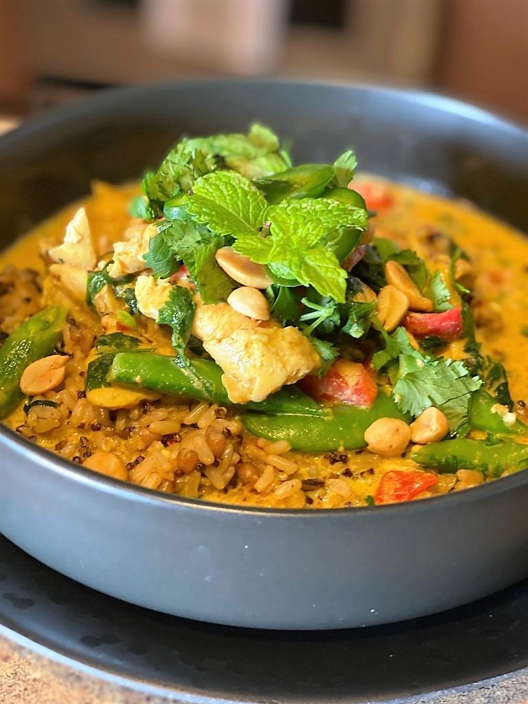 Chef Carline's Thai-Inspired Chicken Curry & CoconutMilk Recipe